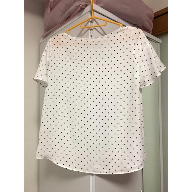 GU(ジーユー)のGUの白ドットトップス レディースのトップス(カットソー(半袖/袖なし))の商品写真