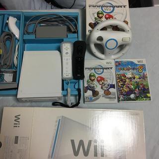 Wii - Wii本体一式、 マリオカートのソフト&ハンドル、 マリオパーティー8