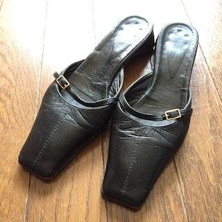 トゥモローランド(TOMORROWLAND)のNY SOHO購入 本革 ブラックサンダル(サンダル)