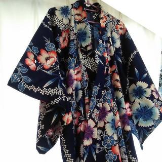 レディース浴衣(花柄 / 明るめの紺)(浴衣)
