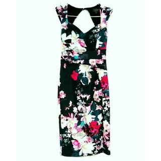 9358943777cdf リプシー(Lipsy)のlipsy 花柄フラワータイトワンピースドレス黒ブラックzara bcbg