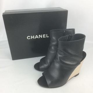 シャネル(CHANEL)のCHANEL ショートブーツ(箱付き)(ブーツ)
