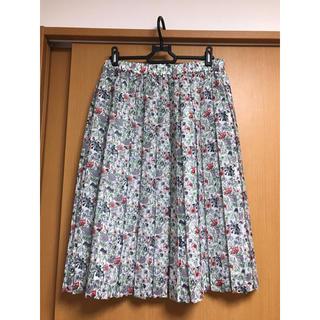 アマカ(AMACA)の新品同様 アマカ  リバティ柄スカート 3.5万(ひざ丈スカート)