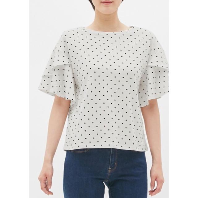 GU(ジーユー)のドットフリルスリーブT(半袖) レディースのトップス(シャツ/ブラウス(半袖/袖なし))の商品写真
