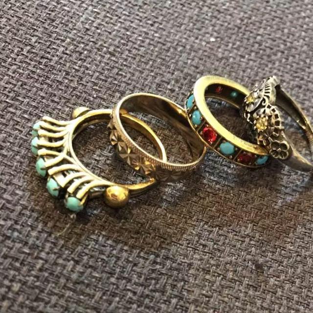 IOSSELLIANI(イオッセリアーニ)のイオッセリアーニ 4連リング レディースのアクセサリー(リング(指輪))の商品写真