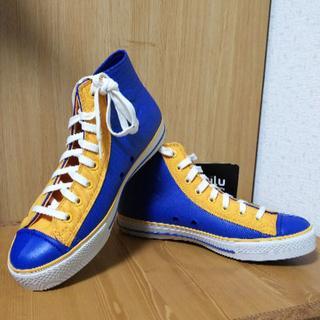cciluのブルー&イエローのスニーカー