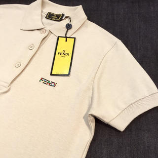フェンディ(FENDI)の◯未使用タグ付♡ FENDI フェンディ  ポロシャツ ベージュ◯(ポロシャツ)