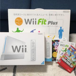 ニンテンドウ(任天堂)の美品!!!Wii本体 WiiFitボード リモコン set!(家庭用ゲーム本体)