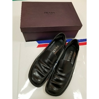 プラダ(PRADA)のPRADA スクエアローファー(ローファー/革靴)