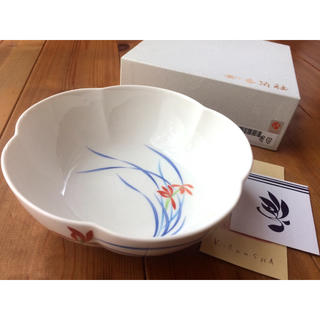 コウランシャ(香蘭社)の新品箱入◆香蘭社 深鉢皿 19cm 春蘭柄 花型 菓子皿煮物皿有田焼陶器深川製磁(食器)