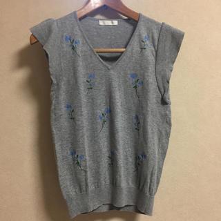 エージーバイアクアガール(AG by aquagirl)の*コットニット*花刺繍*(シャツ/ブラウス(半袖/袖なし))