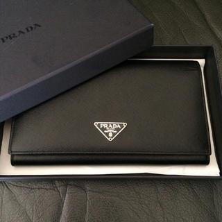 プラダ(PRADA)の新品未使用 プラダ サフィアーノ長財布 ブラック 黒 バッグ 折 三角プレート(財布)