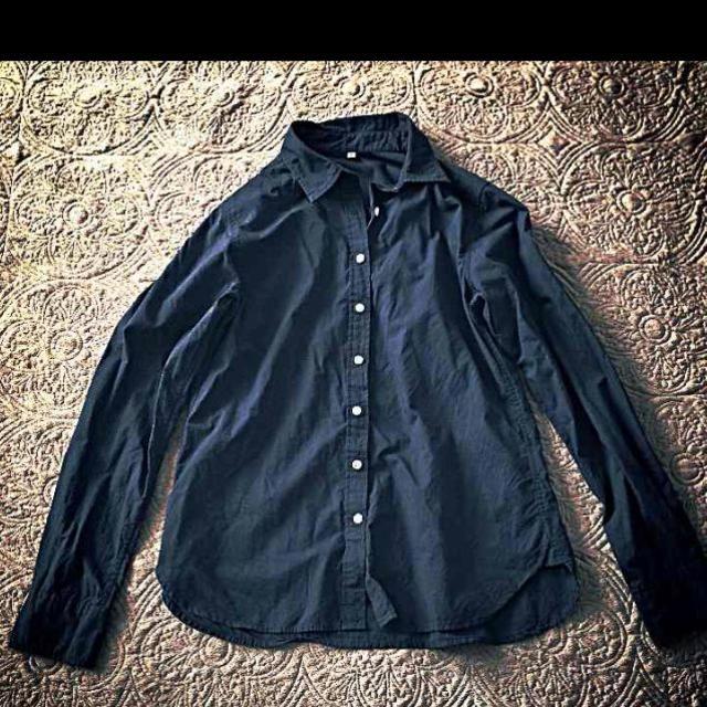 MUJI (無印良品)(ムジルシリョウヒン)の無印 濃紺シャツ レディースのトップス(シャツ/ブラウス(長袖/七分))の商品写真