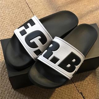 エフシーアールビー(F.C.R.B.)のFCRB 新作 シャワーサンダル べナッシ 26.0センチ ブラック(サンダル)