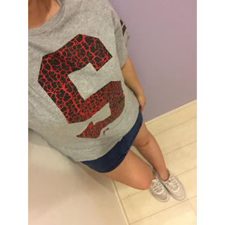 ステューシー(STUSSY)の値下げ交渉あり‼️ステューシー ビッグロゴ バックロゴ Tシャツ(Tシャツ/カットソー(半袖/袖なし))