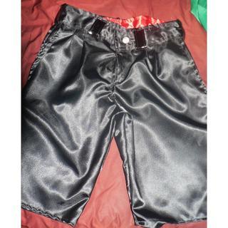 【新品】黒・サテン・2タック・ショートパンツ・w75(ショートパンツ)