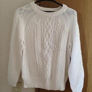 ジーユー(GU)の白色❁ニット(ニット/セーター)