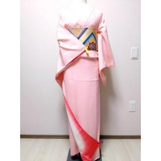 【美品】色無地 ピンク 飾り紋入り EY22(着物)