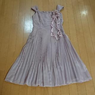 ミッシェルクラン(MICHEL KLEIN)のKLEIN DOEIL ピンクベージュプリーツドレス size38(ミディアムドレス)