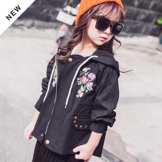 新品!韓国子供服 フラワー刺繍デザインフード付ミリタリージャケット  黒(ジャケット/上着)