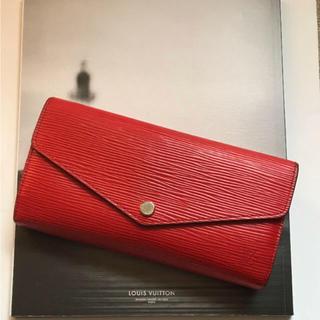 ルイヴィトン(LOUIS VUITTON)の【美品・2014年製】ルイ・ヴィトン エピ サラ長財布(財布)