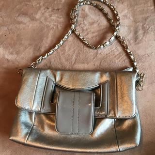ローラアシュレイ(LAURA ASHLEY)のローラアシュレイ上品なシルバーの2wayバッグ(ショルダーバッグ)