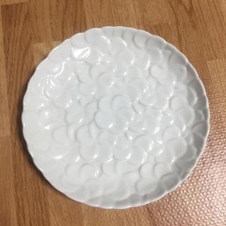 ジェンガラ(Jenggala)のジェンガラ フランジパニ 丸皿 小(食器)