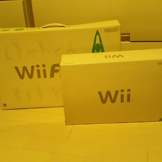 Wii - WiiとWiiフィットのセット