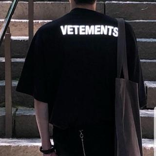 ヴェトモンVETEMENTS(Tシャツ/カットソー(半袖/袖なし))