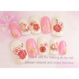 両面テープ付♡浴衣や振袖に♡赤とピンクのお花の和柄のネイルチップ♡32(つけ爪/ネイルチップ)