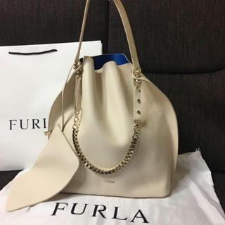 フルラ(Furla)のレア♥︎新品同様♥︎フルラ❤︎レザーチェーンショルダートート❤︎ホワイト(ショルダーバッグ)