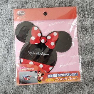 ディズニー(Disney)の新品 Disney ミニー ノンスリップシート(車内アクセサリ)