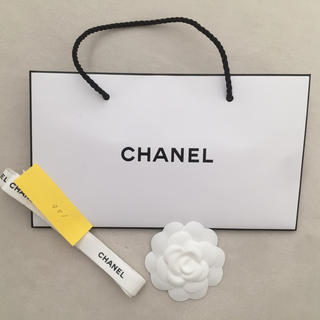 シャネル(CHANEL)の新品未使用 CHANELショッパーとカメリアとおリボン1.2cm(ショップ袋)