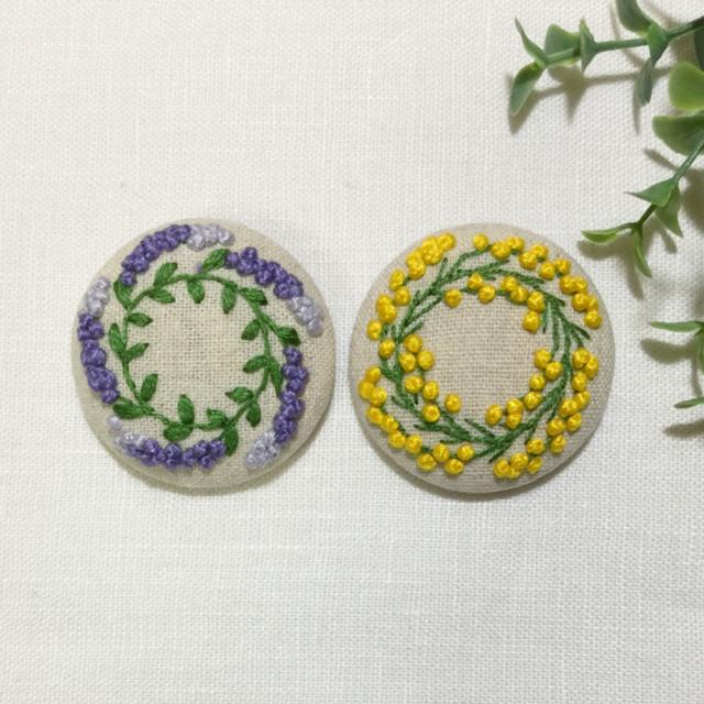 ビッケ様 専用ページです 刺繍ブローチ レディースのアクセサリー(ブローチ/コサージュ)の商品写真