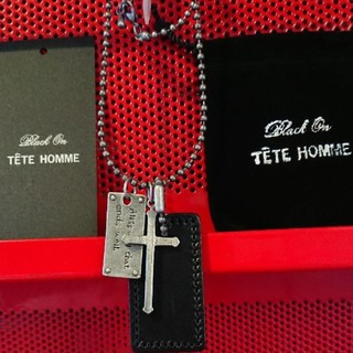 テットオム(TETE HOMME)の☆TETE テットオム メンズ ネックレス 十字架 クロス 牛革 プレート 新品(ネックレス)