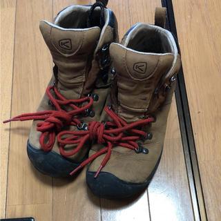 キーン(KEEN)のKEEN ピレニーズ men's 25.0cm(登山用品)