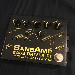 ボス(BOSS)のサンズアンプ ベースドライバーDI TECH 21 NYC SansAmp(ベースエフェクター)