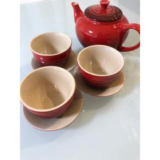 ルクルーゼ(LE CREUSET)のル・クルーゼ ティーセット チェリーレッド 赤 ポット コップ ソーサー(食器)