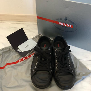プラダ(PRADA)の美品 PRADA 革スニーカー 24cm(スニーカー)