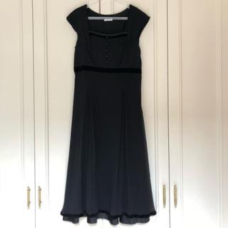 キャシャレル(cacharel)の【cacharel】キャシャレル シルクドレス シルクブラックワンピース 34(ミディアムドレス)