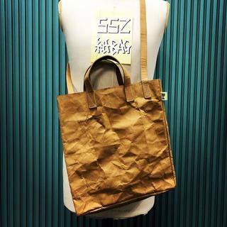 ビームス(BEAMS)の18ss BEAMS SSZ paper bag ペーパーバッグ 新品 (ショルダーバッグ)