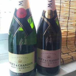モエエシャンドン(MOËT & CHANDON)の【未開封】モエ・エ・シャンドン 白とロゼセット(シャンパン/スパークリングワイン)