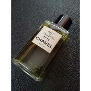 シャネル(CHANEL)のシャネル N°19 EAU DE TOILETTE(香水(女性用))