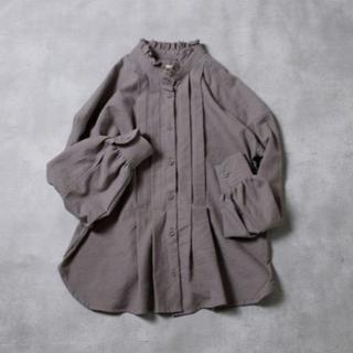 ネストローブ(nest Robe)のMAGALIさま フリルカラー・タック・ブラウス 一度着用 フリーサイズ(シャツ/ブラウス(長袖/七分))
