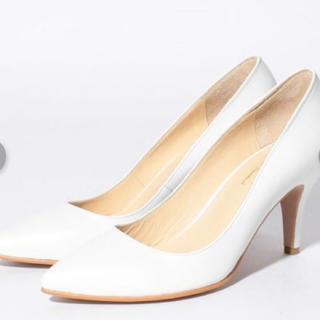 シップスフォーウィメン(SHIPS for women)の新品 定価20520円 パンプス  ホワイト 在庫わずかです‼️日本製です♪(ハイヒール/パンプス)