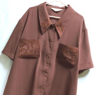 サンタモニカ(Santa Monica)の襟&ポケット刺繍 デザイン ブラウス 半袖シャツ(シャツ/ブラウス(半袖/袖なし))