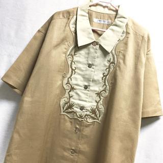 サンタモニカ(Santa Monica)のリネン混 切替デザイン 刺繍入り ブラウス 半袖シャツ(シャツ/ブラウス(半袖/袖なし))