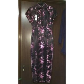 ボディライン(BODYLINE)の未使用タグ付・難有りロングチャイナドレス・光沢ある黒(衣装)
