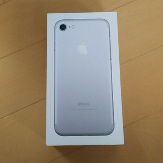 アイフォーン(iPhone)のiPhone7 シルバー 128GB  ケースその他(その他)