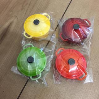 ルクルーゼ(LE CREUSET)のル・クルーゼ 鍋型 マグネット 磁石 冷蔵庫 ルクルーゼ 新品未開封(収納/キッチン雑貨)